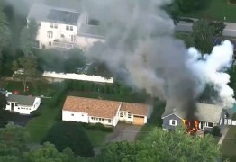 Dezenas de casas pegam fogo ao mesmo tempo em Massachusetts, nos EUA – VEJA FOTOS!