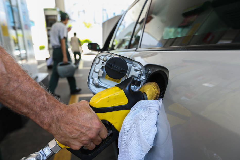 gasolina - Preço da gasolina sofrerá reajuste a partir desta terça-feira
