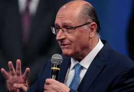 Alckmin sobre Bolsonaro: País precisa de alguém que não seja problema
