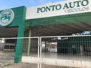 """ponto auto 2 300x225 - Junior, dono da loja """"PONTO AUTO"""" desaparece com 100 carros e deixa prejuízo de quase 3 milhões"""