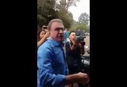 Bolsonaro é um vagabundo total, está quase morto, diz Álvaro Dias – VEJA VÍDEO!