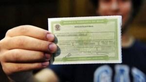 tituloeleitor 300x169 - Mais de 400 mil deixam de votar na Paraíba