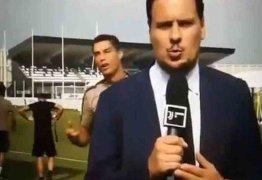 Cristiano Ronaldo imita jornalista da Juventus TV durante treino e viraliza – VEJA VÍDEO
