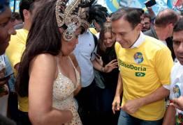 Na véspera da eleição, Doria samba e reclama de 'campanha suja'