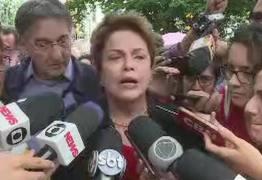 Candidata ao Senado por Minas Dilma Rousseff vota em Belo Horizonte