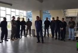 Bolsonaro propõe 'licença para matar' para policiais: VEJA VÍDEO