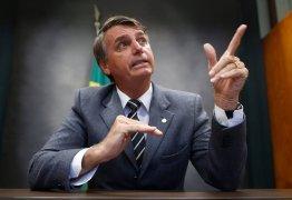 Bolsonaro ataca PT após notícia sobre jovem da suástica: 'canalhas! vagabundos!'