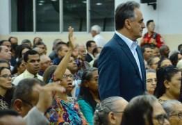 Prefeito Luciano Cartaxo participa da Santa Ceia do Senhor no templo central da Assembleia de Deus