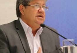 João Azevedo não vai a reunião com governadores e explica: 'Não é um encontro oficial com o presidente eleito'