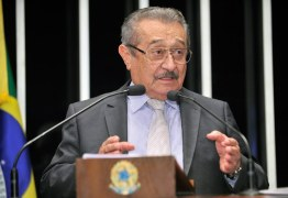 José Maranhão participa de caravana em Patos