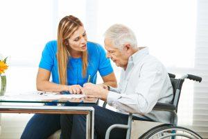 O envelhecimento da população favorece o surgimento de novas profissões FOTO 2 300x200 - O envelhecimento da população favorece o surgimento de novas profissões
