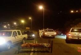 Assassino em série mata e abandona corpos em camas no meio da estrada: VEJA VÍDEO