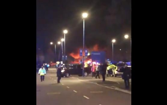 Untitledfb - Helicóptero cai e explode ao lado do estádio após jogo - VEJA VÍDEO