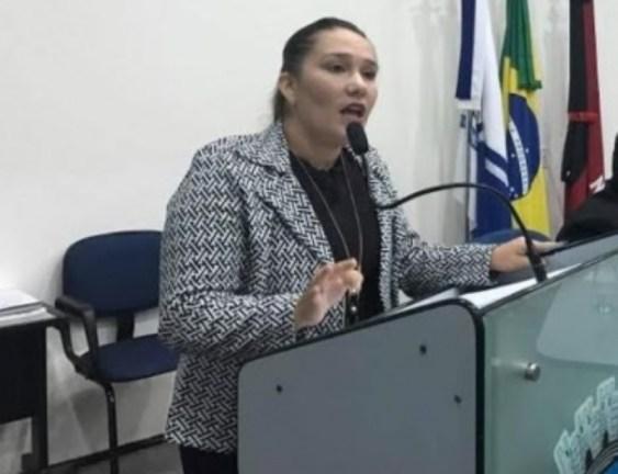 Vereadora 300x230 - Vereadora é ameaçada e agredida dentro da Câmara Municipal de Patos
