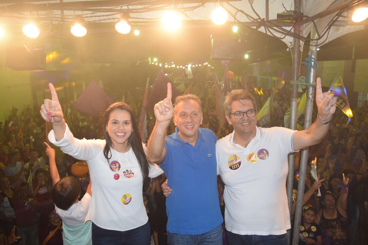 WhatsApp Image 2018 10 01 at 11.53.37 AM - Rafaela Camaraense intensifica atividades de campanha e participa de comício, carreata e passeata no fim de semana