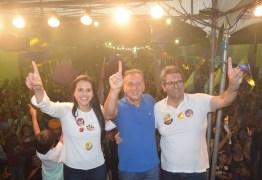 Rafaela Camaraense intensifica atividades de campanha e participa de comício, carreata e passeata no fim de semana