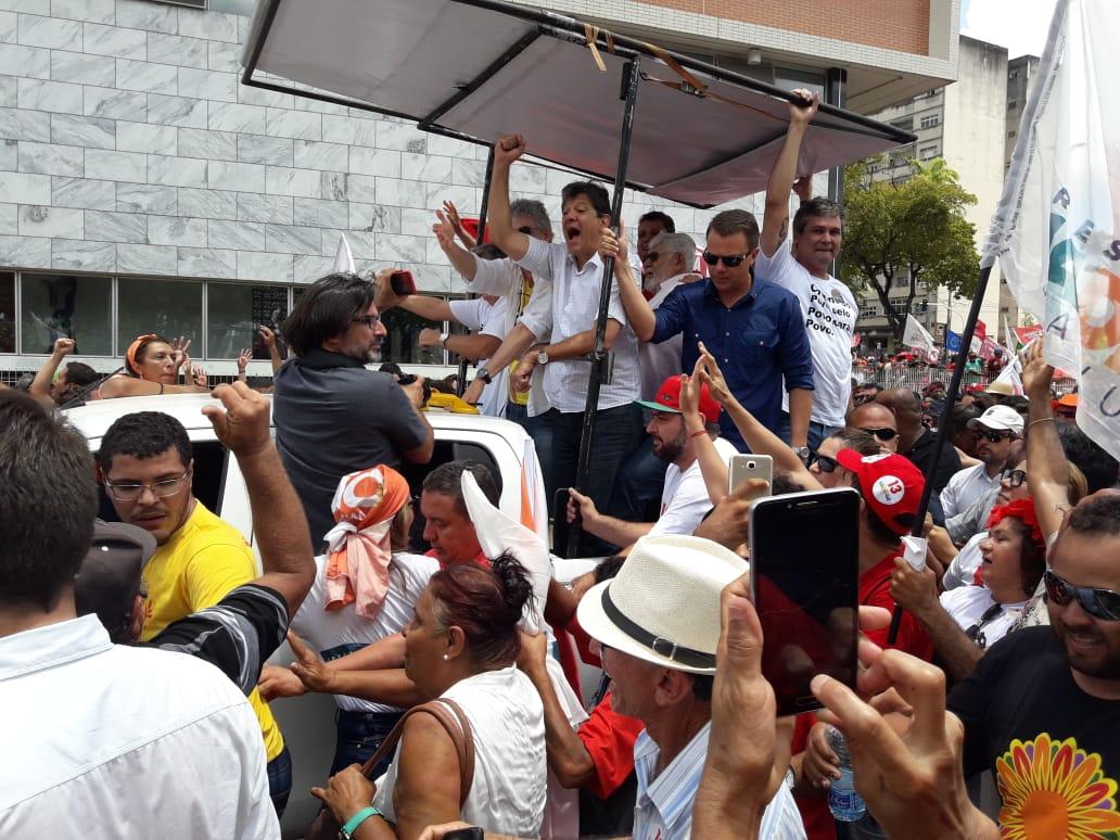 WhatsApp Image 2018 10 26 at 11.39.08 - Milhares de pessoas participam de ato público com Haddad em João Pessoa; Veja vídeo