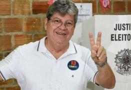 Governador eleito João Azevedo vota e fala em 'relação institucional' com Governo Federal