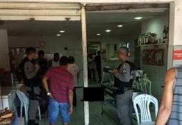 VIOLÊNCIA: Policial é baleado na cabeça e homem morre durante assalto