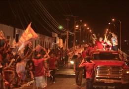 Em Patos Zé Maranhão movimenta grande carreata