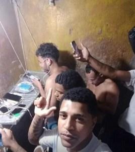cdp sv 2 268x300 - Preso cria 'setor de telefonia' na cadeia e publica selfie na web para comemorar