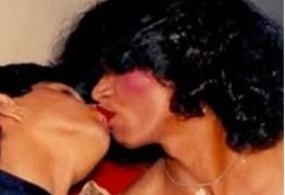 VEJA VÍDEO: Ex esposa de Luciano Camargo divulga fotos em que o cantor aparece beijando travesti