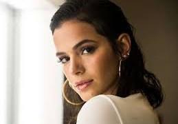 Bruna Marquezine diz que vida de solteira está 'ótima'