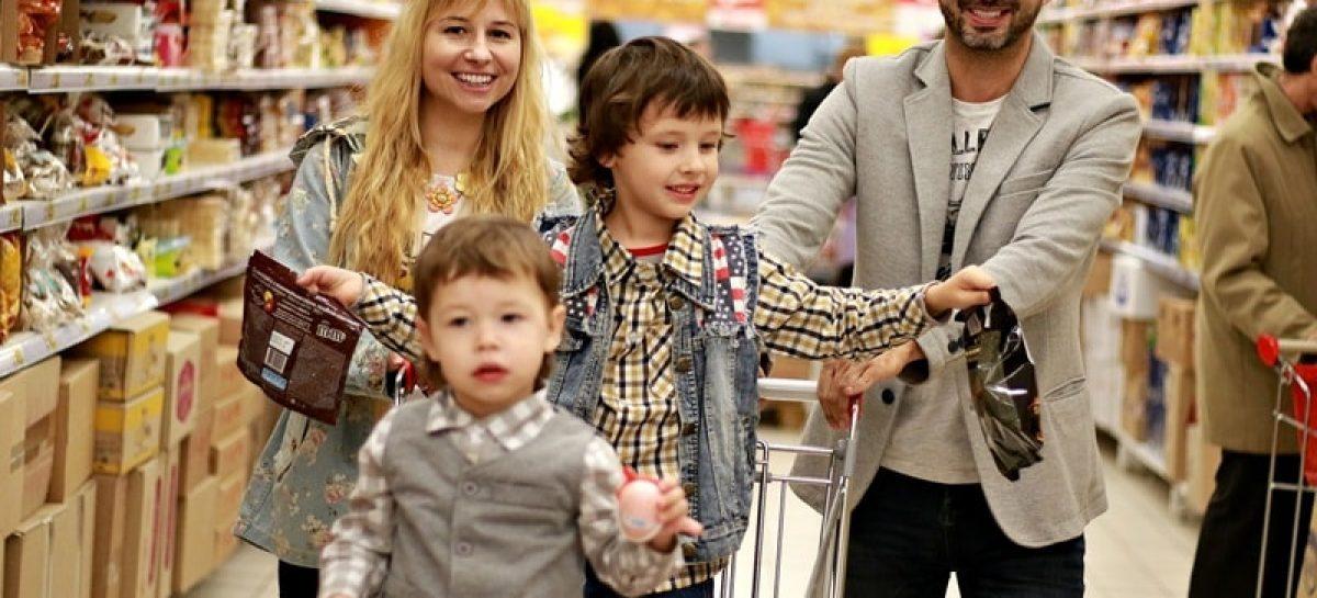 family 2923690 1920 min 1200x545 c - Intenção de consumo das famílias cai após duas altas seguidas