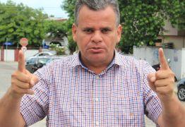 CRIME ELEITORAL: Emerson Mofi é denunciado por publicar foto de cabine de votação
