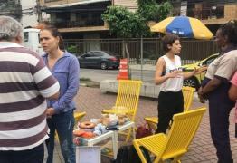 Atrizes da Globo vão às ruas conversar com eleitores indecisos