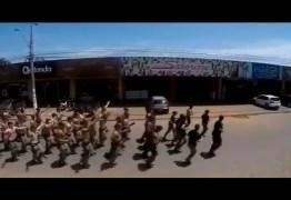 VEJA VÍDEO: Em treinamento de rua, policiais militares fazem campanha ilegal para Bolsonaro
