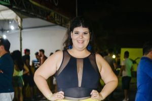 malu vinagre 3 300x200 - IRMÃ DE ANDRÉ AMARAL: Candidata a deputada Malu Vinagre do PROS que recebeu meio milhão do PT só obteve 737 votos -  ENTENDA