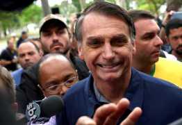 Em rádios, Bolsonaro fala sobre participação nos debates para 2º turno
