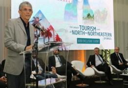 RC prestigia abertura de Festival de Turismo no Centro de Convenções