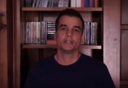 Ator Wagner Moura pede a FHC e Ciro que se posicionem: 'É civilização contra barbárie' – VEJA VÍDEO