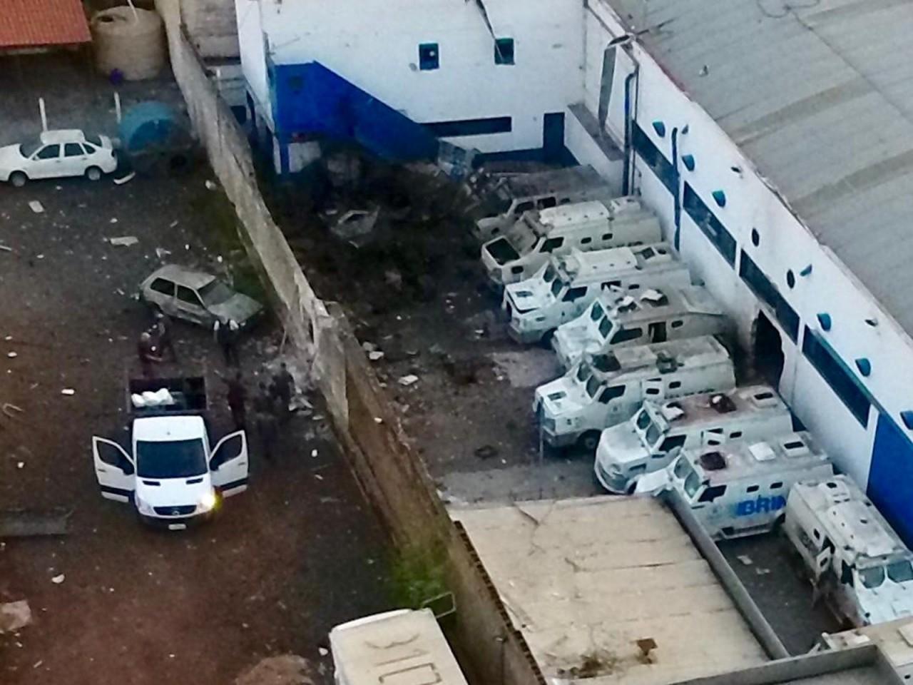whatsapp image 2018 10 29 at 05.51.30 - Quadrilha explode empresa de valores e troca tiros com a PM por 2 horas - VEJA VÍDEOS