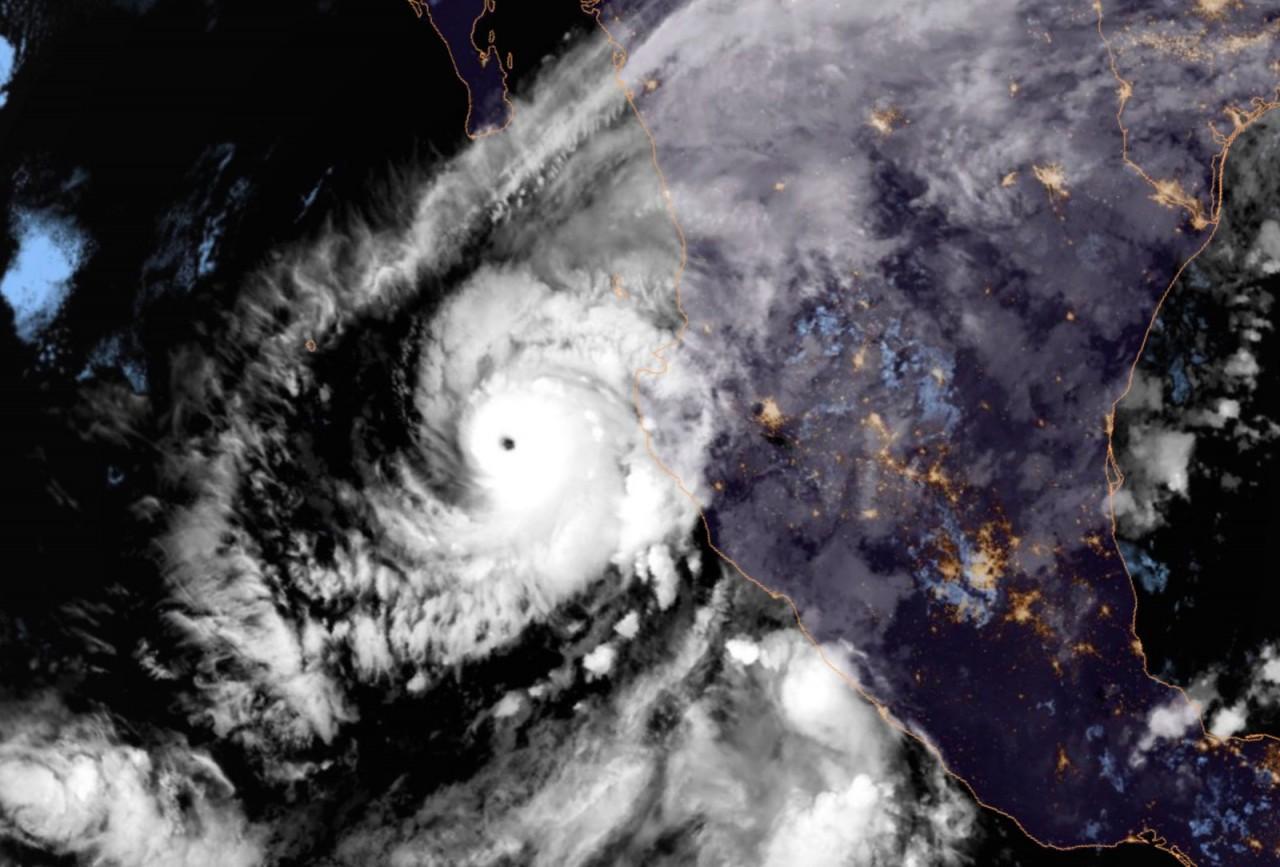 willa - Furacão Willa atinge categoria 5 ao se aproximar do México