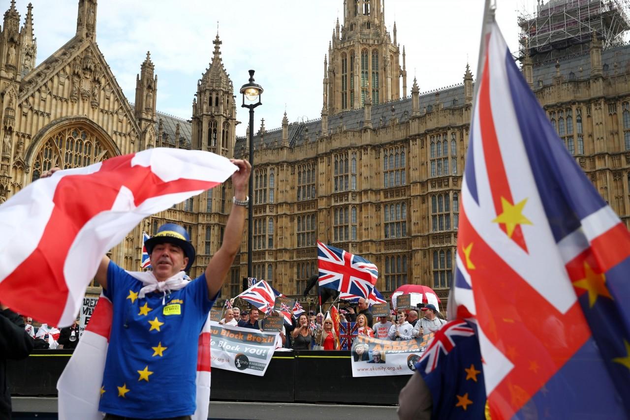 2018 11 23t144347z 1528967877 rc199445cbe0 rtrmadp 3 britain eu markets - BREXIT: Entenda o que acontece após o acordo sobre a saída do Reino Unido da União Europeia