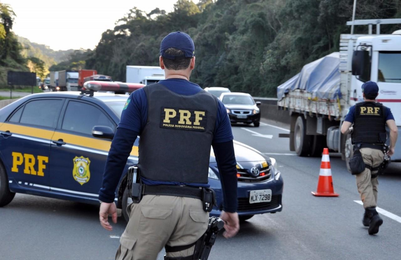 ACIDENTES PRF 03 - Feriadão tem operação contra crimes de trânsito nas estradas