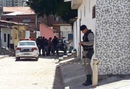 Jovem de Guarabira é executado por homens encapuzados enquanto visitava amigos no bairro dos Ipês