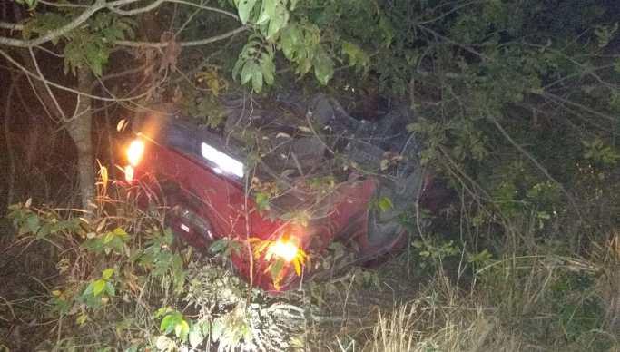 Acidente suspeito PRF 2 - Suspeito de assalto morre em capotamento após roubar carro e ser perseguido pela PRF
