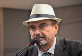 NÃO CONSIGO PENSAR NUMA ESCOLA SEM LIBERDADE: Jeová Campos defende projeto de Ricardo e revela preocupação por tratamento de Bolsonaro com a Paraíba – OUÇA