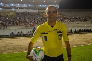 Esporte 300x199 - Há 8 meses sem atuar, árbitros Renan Roberto e Pablo Alves deixam de constar no site da CBF
