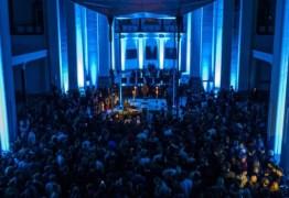 BOATE GOSPEL: Pastor DJ converte igreja em pista de dança e causa polêmica