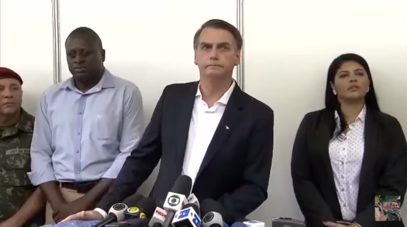 Untitledui - Bolsonaro fala sobre sua cirurgia, Ministério da Educação e Bolsa Família durante coletiva - VEJA VÍDEO