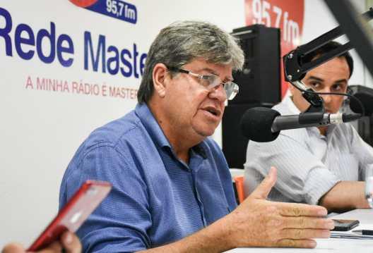 WhatsApp Image 2018 11 01 at 09.38.12 300x204 - João faz balanço da reunião com bancada federal e consegue R$ 59 milhões para obras em 2019