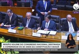 ASSISTA: Temer e Bolsonaro participam de solenidade no Congresso Nacional