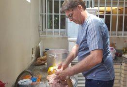 Em vídeo, Bolsonaro convida para almoço de domingo: 'Churrasquinho?'; assista