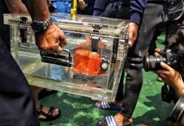 Morre mergulhador que buscava caixa-preta de avião que caiu na Indonésia