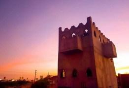 PORTO SEGURO: Na PB, cabeleireiro realiza sonho ao construir seu próprio castelo